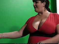She finds him nailing busty bitch in the studio