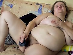 OmaHotel Two old BBW grannies masturbate pussy
